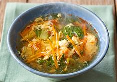 チンゲン菜の酢辣湯風スープ